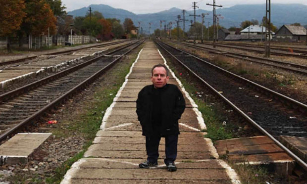 Warwick_Davis_Little_People_Auschwitz