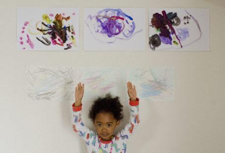 Naomi_with_paintings